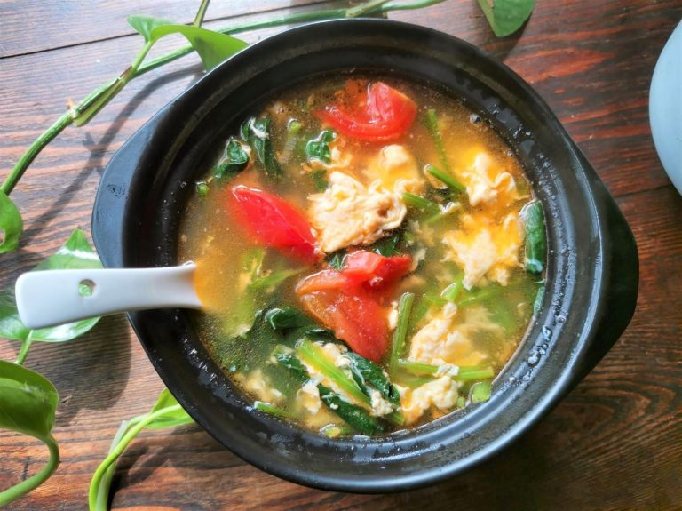 Spinach Tomato And Egg Soup Recipe