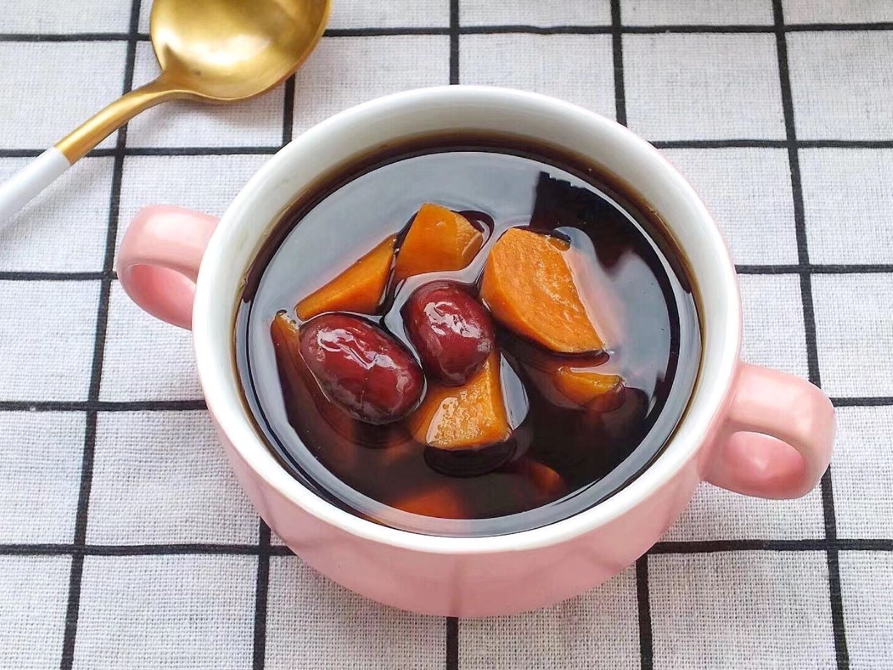Sweet potato, red date and ginger brown sugar soup