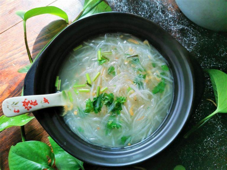 White Radish Vermicelli Soup recipe