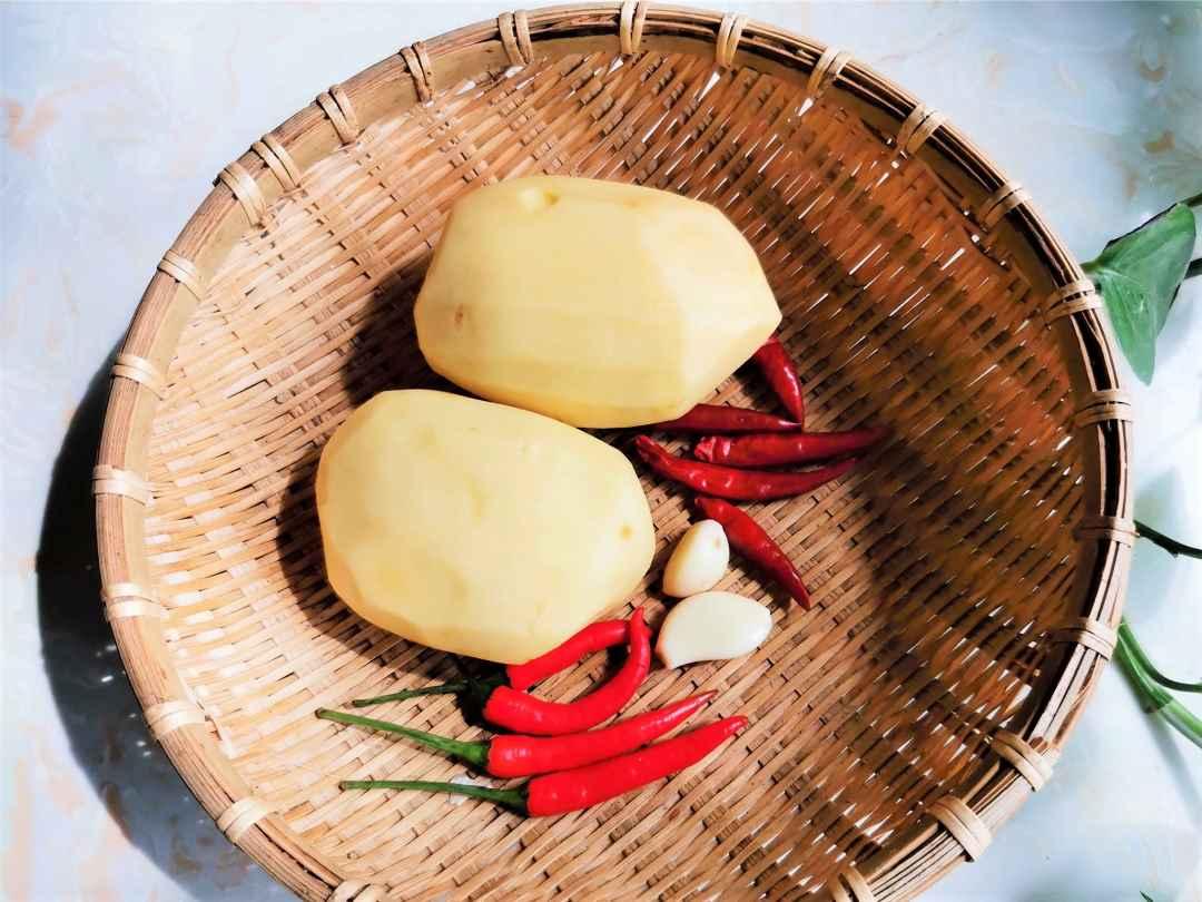 Potato chili and garlic