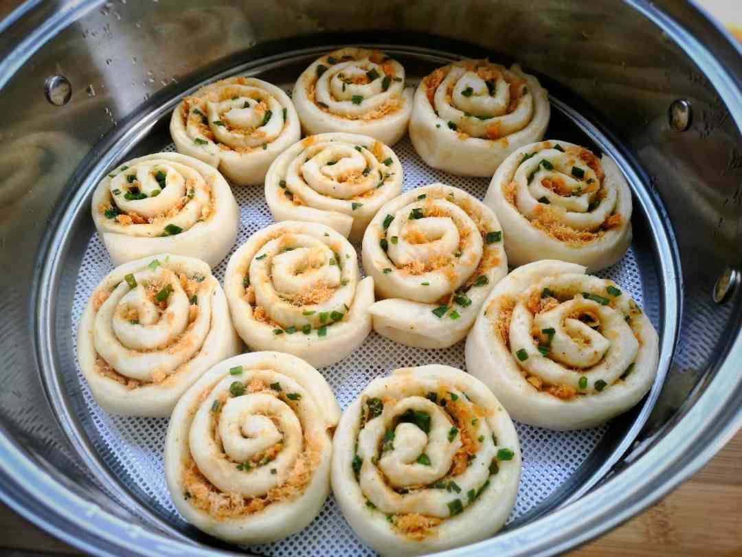 steam Chinese flower rolls for 25 minutes