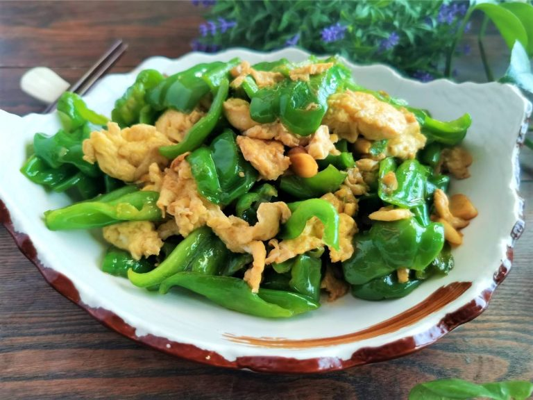 Scrambled eggs with green peppers best china food