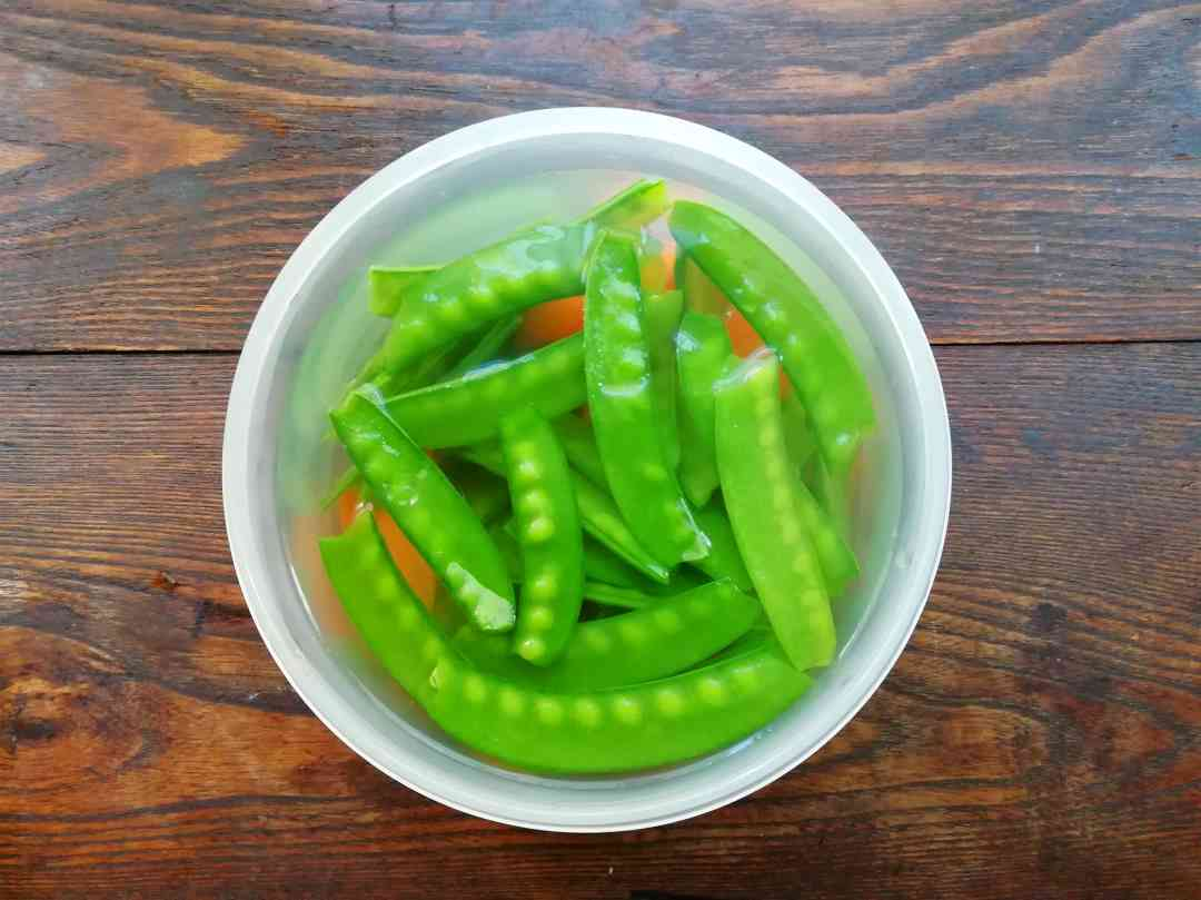 Cool the snow pea in cold water to keep it crisp and tender