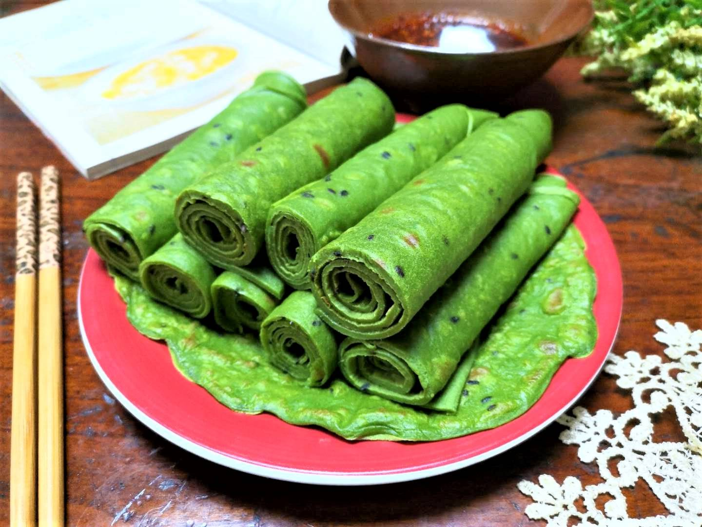 Spinach egg crepes healthy breakfast